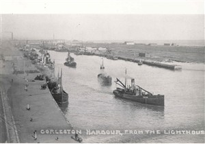 Photo:Steam vessels at Brush Quay, with South Denes in background