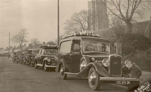 Photo:Hearses carrying out a funeral, c. 1945