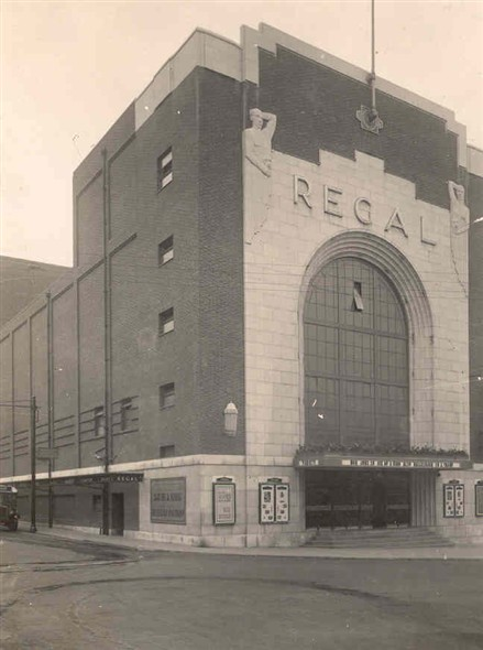 Photo:Photograph of the Regal Cinema, 1938