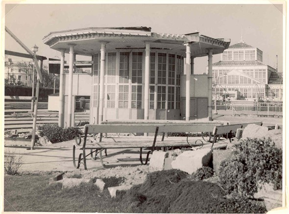 Photo:Demolishing the Bandstand, Wellington Pier Gardens 29th March 1958