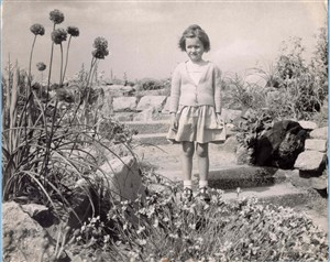 Photo:A Girl amongst the plants in the Waterways