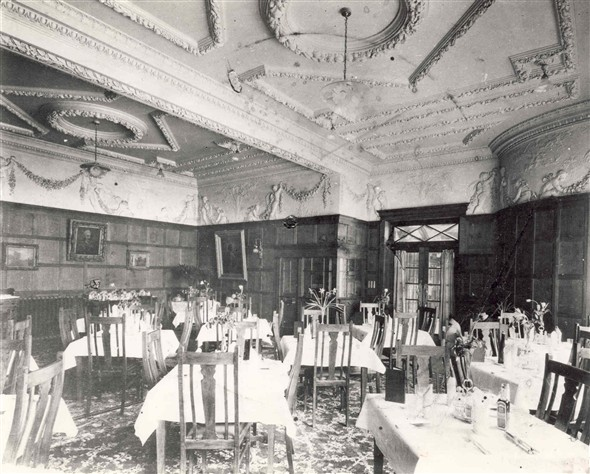 Photo:Photograph of Regent Theatre restaurant