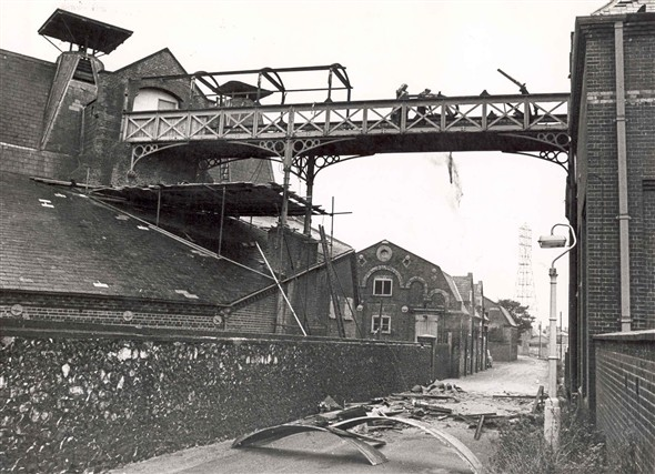 Photo:Demolition of Watlings Maltings, Southtown, c.1970