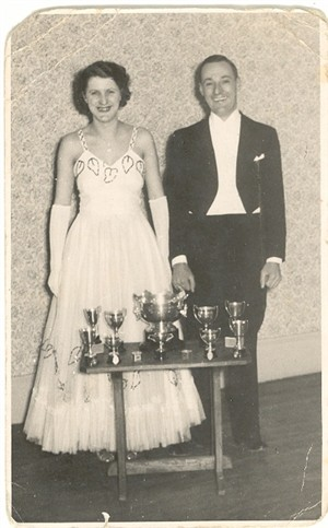 Photo:The Wining couple with their trophies