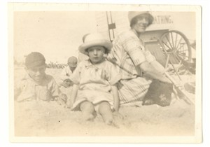 Photo: Illustrative image for the 'On the beach in the bathing machine era' page