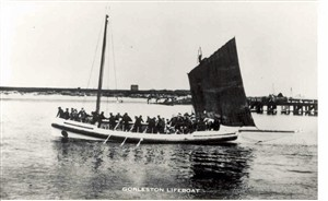 Photo:The Elizabeth Simpson Volunteer Lifeboat rowed and under sail