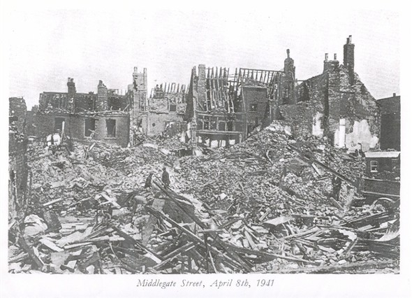 Photo:Ruins in Middlegate Street, 8 April 1941