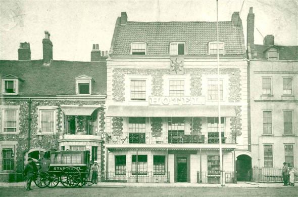 Photo:The Star Hotel in the 19th Century