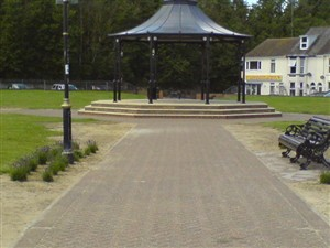 Photo:The new bandstand Gorleston 2008