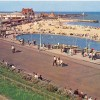 Page link: Large postcard showing Gorleston Beach