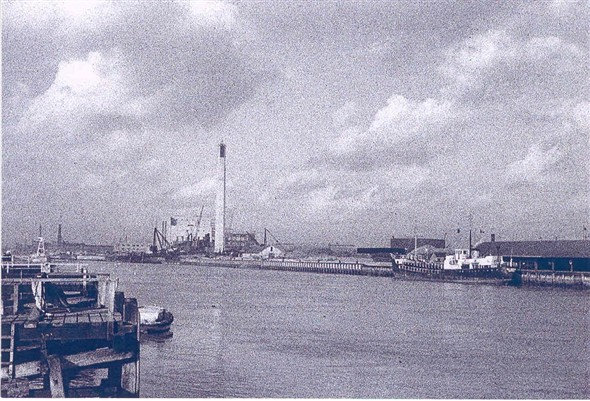 Photo:Great Yarmouth harbour 1953