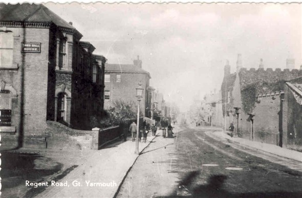 Photo:Postcard of Regent Road, early 20th century