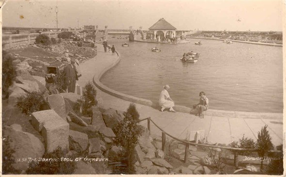 Photo:Boating Pool, Great Yarmouth, c. 1945