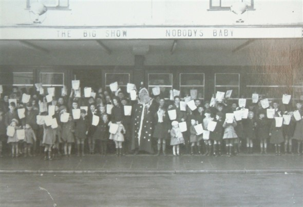 Photo:Christmas Childrens Matinee, circa 1950