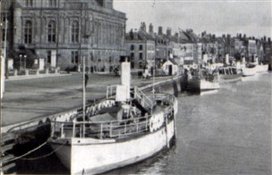 Photo:ss gorleston town hall quay great yarmouth