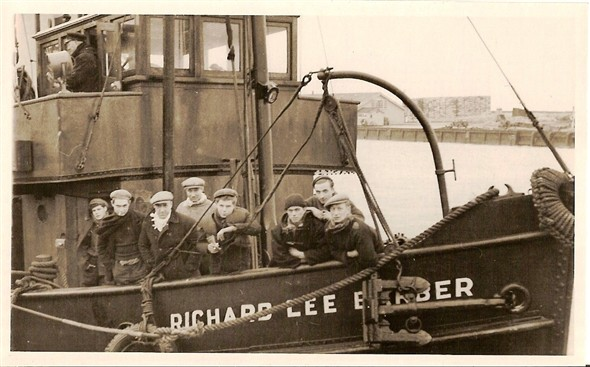 Photo:the crew of richard lee barber