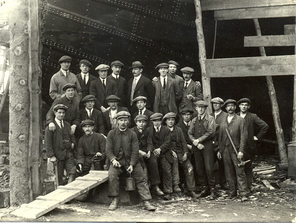 Photo:Portrait of workers at Fellows Shipyard, c.1910